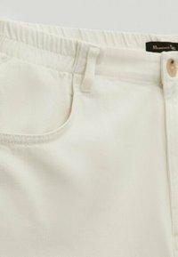 Massimo Dutti - Straight leg jeans - white - 6