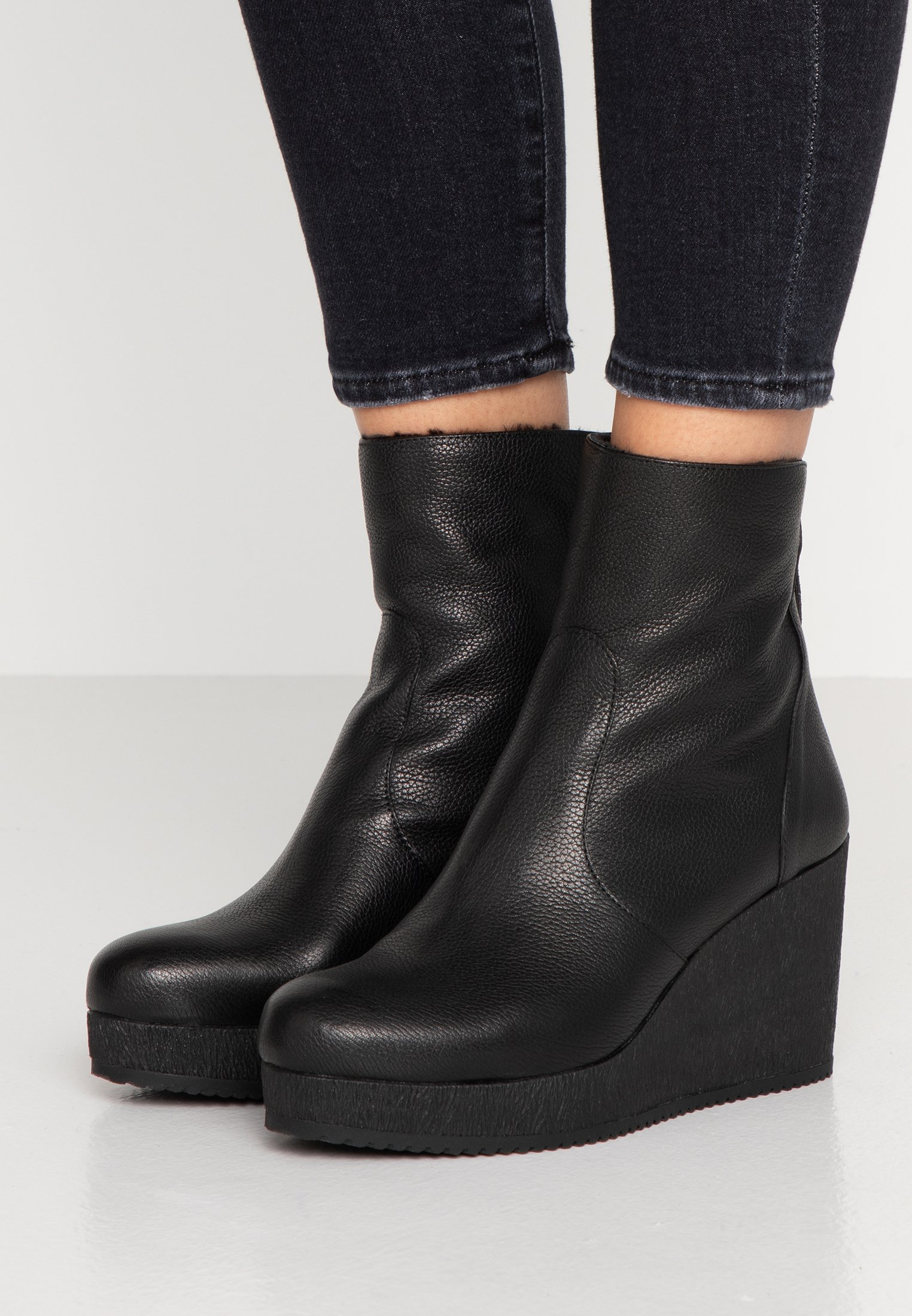 Women MICRO - Wedge Ankle Boots