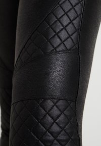 Spanx - QUILTED - Legíny - very black - 5