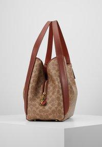 Coach - COATED SIGNATURE HADLEY  - Handbag - tan rust - 3