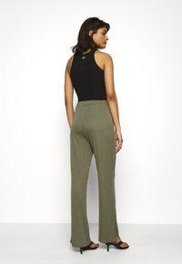 Moss Copenhagen - SAMINE PANTS - Trousers - kalamata - 2