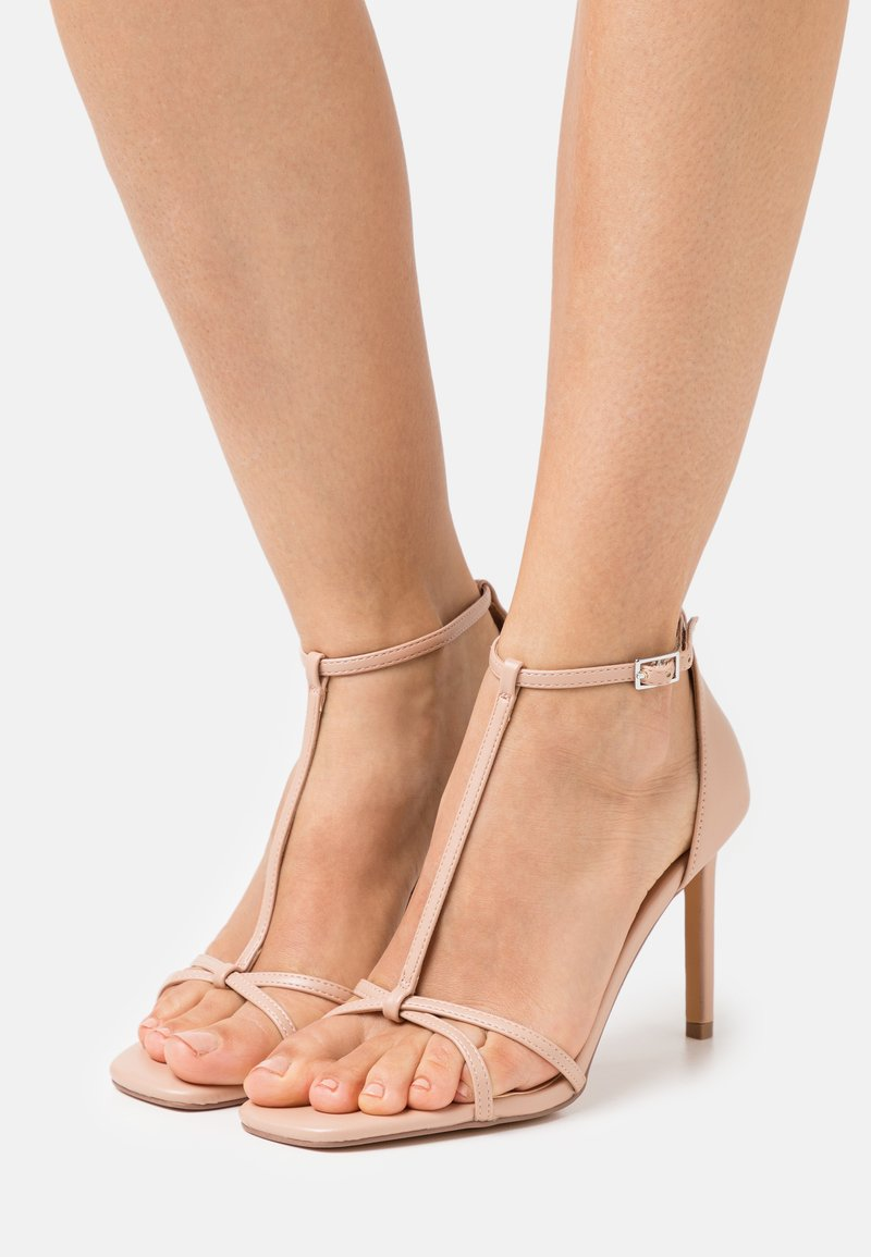 ONLY SHOES - ONLALYX T-BAR - Sandály - beige