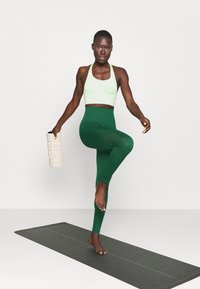 Even&Odd active - SEAMLESS - Leggings - green - 1