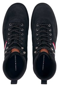 Tommy Hilfiger - OUTDOOR CORPORATE - Lace-up ankle boots - schwarz - 1