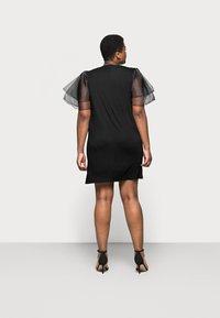 Missguided Plus - PLUS FRILL SLEEVE DRESS - Robe d'été - black - 2