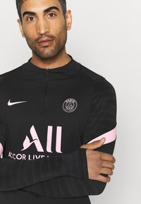Nike Performance - PARIS ST. GERMAIN  - Long sleeved top - black/arctic punch - 4