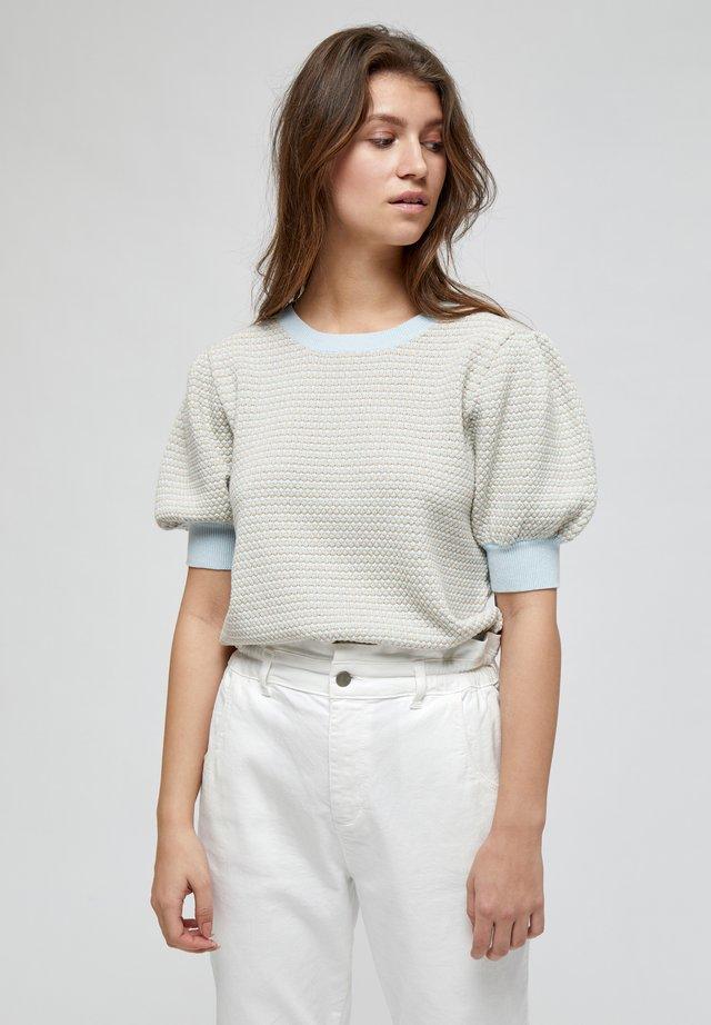 KARLA  - T-shirt print - powder blue lurex