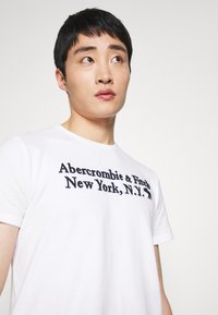 Abercrombie & Fitch - Print T-shirt - white - 4