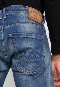 Replay - NEWBILL  - Straight leg jeans - medium blue - 5