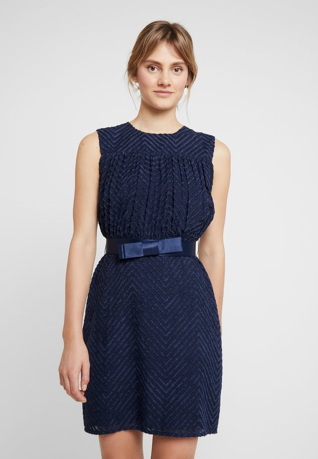 SLEEVELESS DRAPERY DRESS - Korte jurk - navy