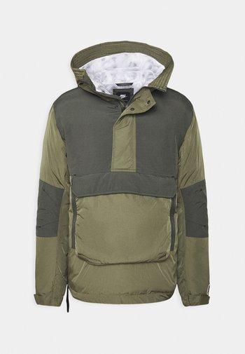 Zimní bunda - medium olive/black