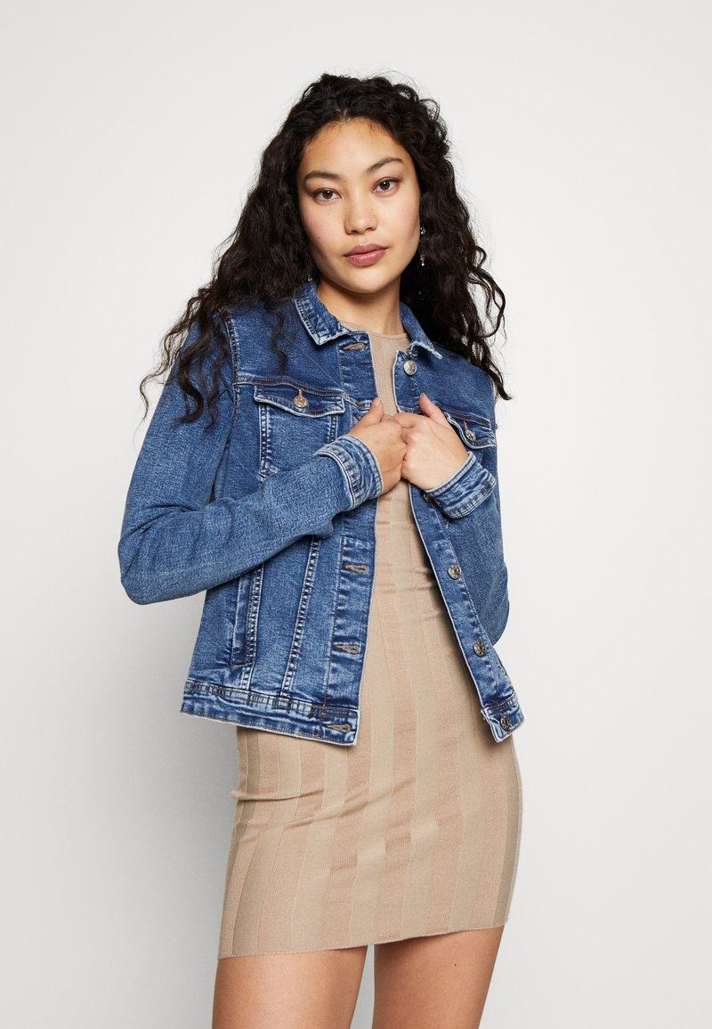 ONLY Tall - ONLTIA JACKET - Chaqueta vaquera - medium blue denim