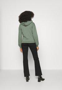 Even&Odd - REGULAR FIT ZIP UP HOODIE JACKET - Zip-up sweatshirt - green - 4