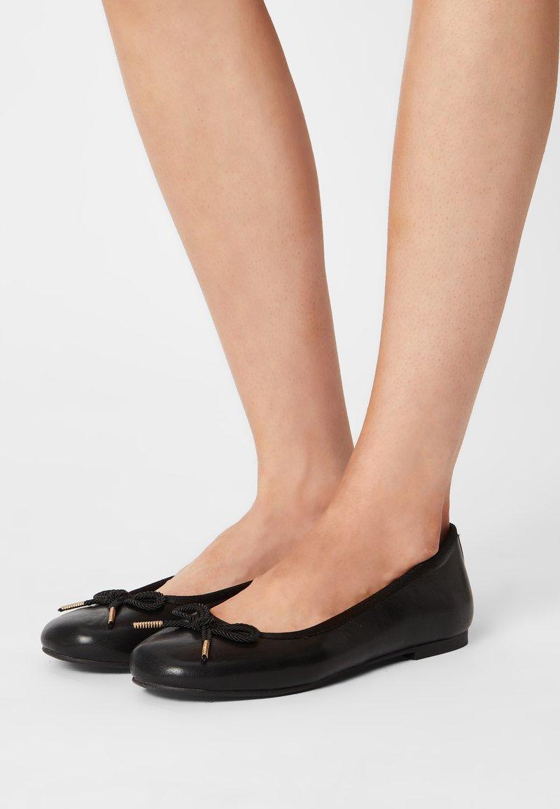 Tamaris - Ballerina's - black