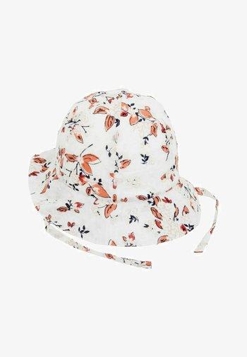 Hat - bright white