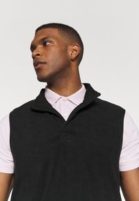 Nike Golf - THERMA VICTORY VEST - Vesta - black - 3