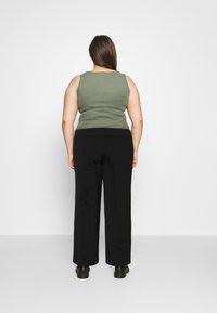 Vero Moda Curve - VMETHA CULOTTE PANT - Bukse - black - 2