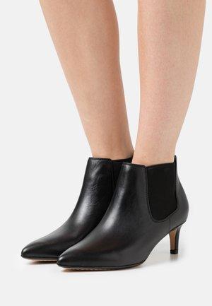 LAINA BOOT  - Kotníková obuv - black
