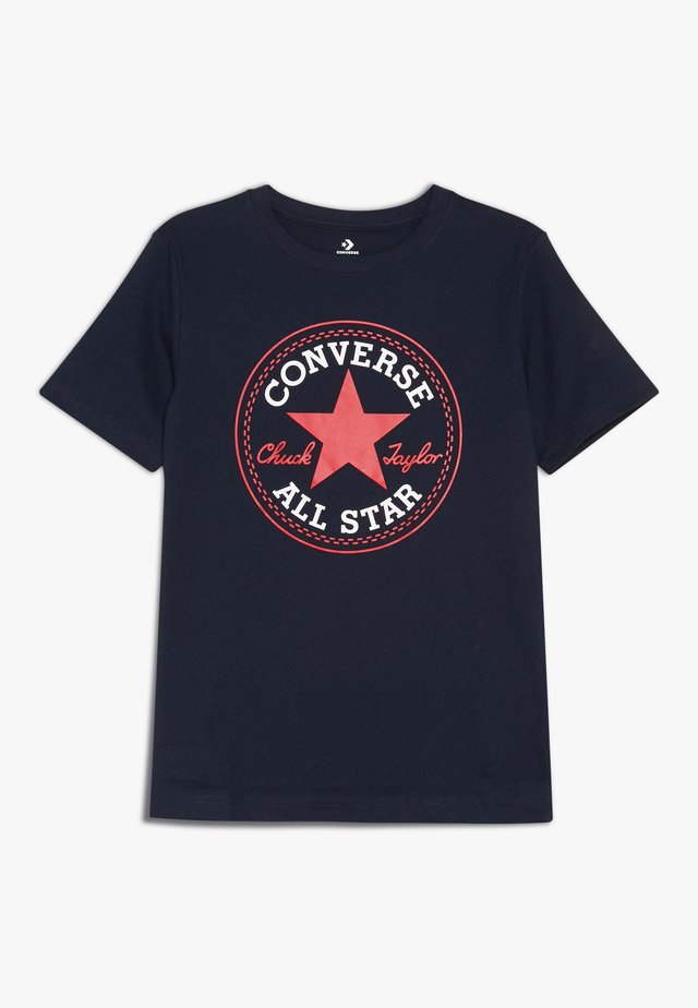 CORE CHUCK PATCH TEE  - T-shirt z nadrukiem - obsidian/red