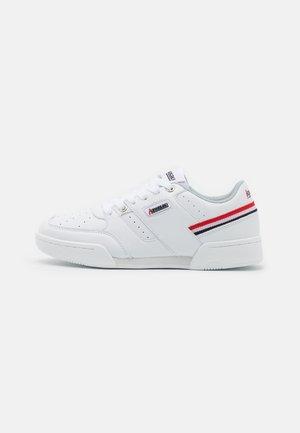 SUPREME - Trainers - white