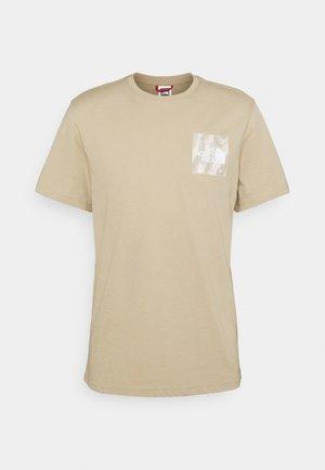 FINE TEE - Print T-shirt - silver grey