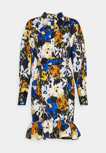 SLFRONNA TONIA SHORT DRESS - Košilové šaty - sudan brown