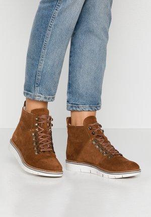 STUDIO HIKER  - Ankle boots - caramel café