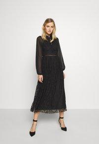 Trendyol - SIYAH - Koktejlové šaty/ šaty na párty - black - 0