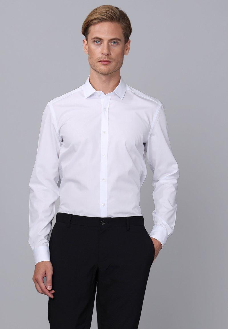 Basics and More - Camicia elegante - white