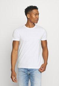 Burton Menswear London - 7 PACK - T-shirt - bas - black - 3