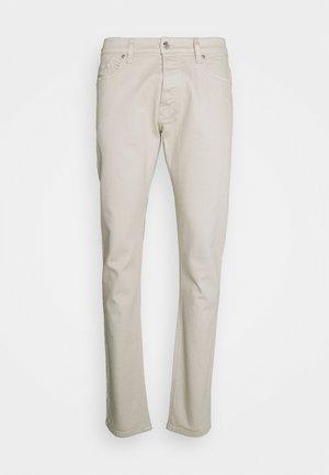 D-LUSTER - Džíny Slim Fit - off white