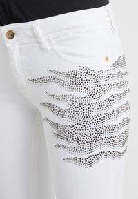 Just Cavalli - PANTALONE - Jeans Slim Fit - white denim - 4