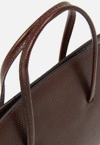 Little Liffner - MINIMAL MINI TOTE - Handbag - dark brown - 5