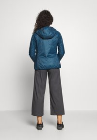 8848 Altitude - THERESIA PRIMALOFT LINER - Impermeable - reflecting pond - 2