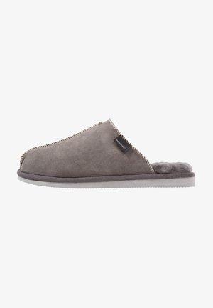 HUGO  - Slippers - asphalt