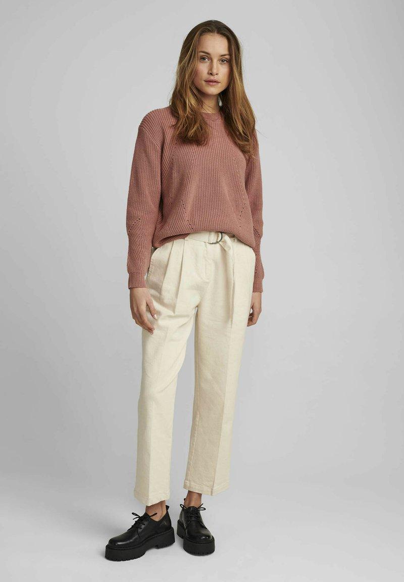 Nümph - NUCAIRO - Trousers - pristine