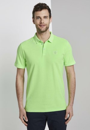 POLOSHIRTS POLOSHIRT MIT LOGO-PATCH - Polo - neon gecko green