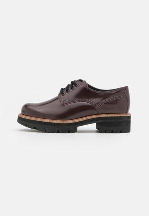 ORIANNA DERBY - Šněrovací boty - burgundy