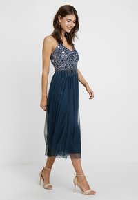 Lace & Beads - RIRI MIDI - Cocktailkjole - navy - 2