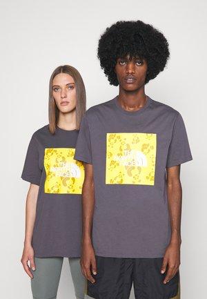 RENEWED PANDA TEE UNISEX - T-shirt med print - graphite grey