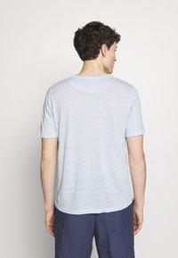 120% Lino - T-shirt basique - pacific blue soft fade - 2