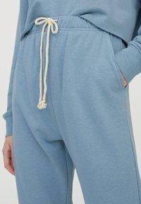 PULL&BEAR - Pantaloni sportivi - blue - 3