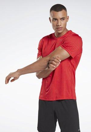 RUN JACQUARD T-SHIRT - T-shirt print - red