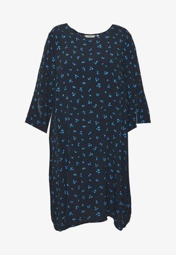 FLARE SLIT SLEEVE DRESS