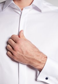 Eterna - MODERN FIT - Business skjorter - white - 2