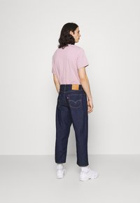 Levi's® - STAY LOOSE PLEATED CROP - Relaxed fit -farkut - dark indigo - 2