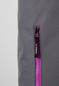 adidas Originals - ROLLTOP - Rucksack - onix - 5
