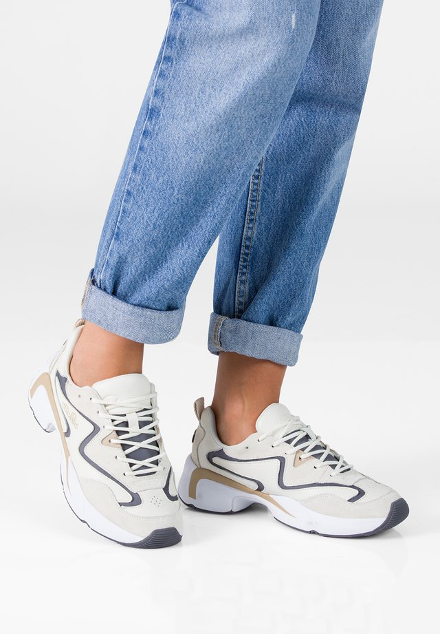 INDUS - Sneakers laag - off-white