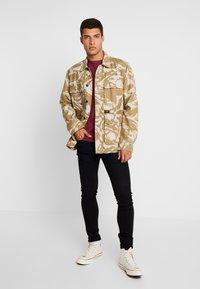 Tommy Jeans - ORIGINAL CREW TEE - Basic T-shirt - burgundy - 1