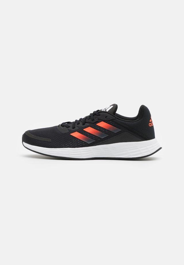 DURAMO SL - Neutrální běžecké boty - core black/solar red/carbon